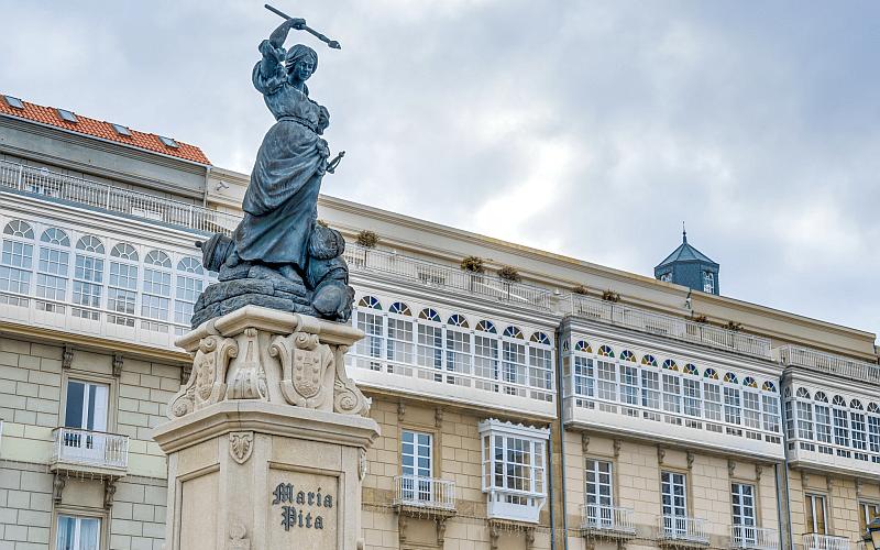 Plaza-de-María-Pita-A-Coruña